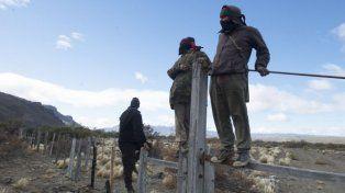 Mapuches. Desplazados reclaman, terratenientes piden auxilio al estado.