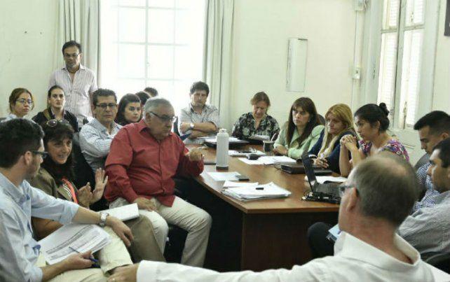 Trabajo en comisión. El oficialismo busca alcanzar los acuerdos para contar con ambas normas sancionadas