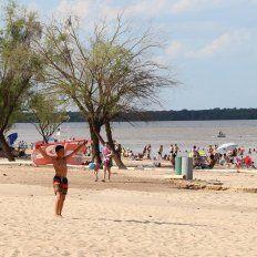 Calor de verano. Los ríos en ambas costas entrerrianas fueron la gran atracción del fin de semana.
