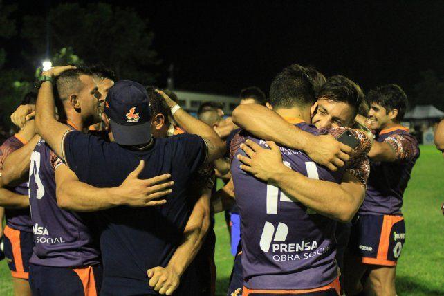 Una gran alegría. Los tucumanos fueron el mejor equipo del seven y lo plasmaron con el campeonato.