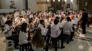 La orquesta escuela Río de los pájaros cierra el año con talleres