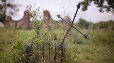 en villa urquiza, un camposanto perdido cobija el sueno eterno de inmigrantes y criollos