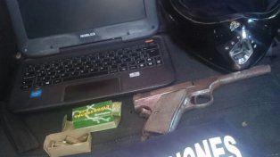Razzia policial para buscar armas de fuego y personas con pedidos de captura