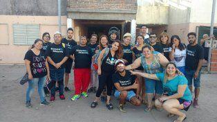 LABOR. Cada lunes visitan un barrio y esta semana estuvieron en Lomas del Mirador.