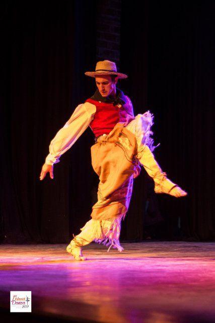 Tango, fusión, acrobacias y danza malambo, en la Vieja Usina