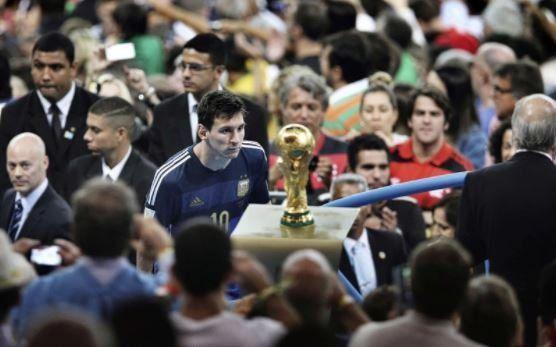 Espero que el fútbol me pague su deuda con un Mundial