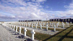 Estudiantes de Mar del Plata identificaron las tumbas de los caídos en Malvinas