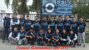 Flamantes egresados de la Escuela de Educación Técnica   N° 3 Luis Cenobio Candelaria