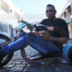 Vuela. El rider de la capital armó su triciclo casi en su casa y la nave no decepcionó. Estuvo a la altura de las circunstancias y se la bancó tanto en Córdoba como en suelo brasileño.