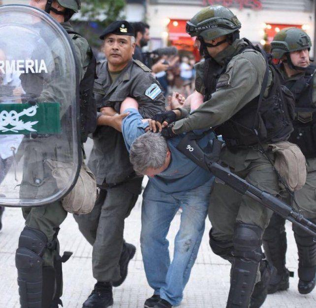 Macri convocó a los gobernadores y el lunes habrá una nueva sesión