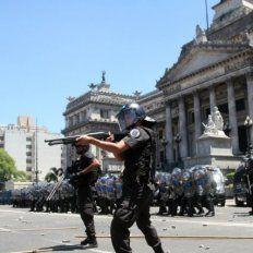 Diputados opositores denunciaron a Macri y Bullrich por la represión