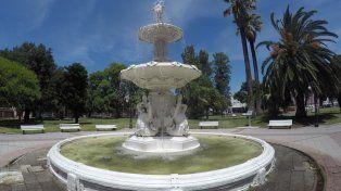 La plaza Alvear de Paraná el domingo por la mañana. Foto UNO.