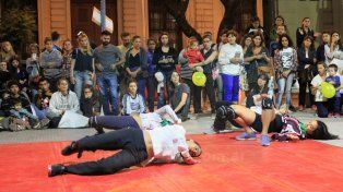 Danza Combate en acción. FotoUNOJuan Ignacio Pereira.