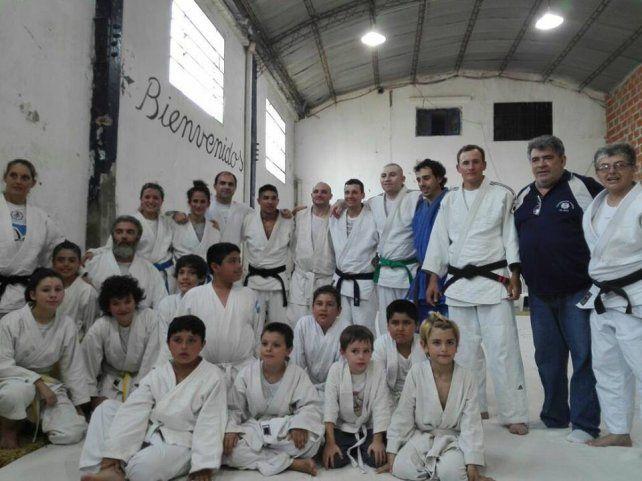 Judokas del dojo de Patronato rindieron sus Grados Kyu en San Agustín. Los atletas de 6 años en adelante tuvieron excelentes calificaciones ante la Mesa Examinadora