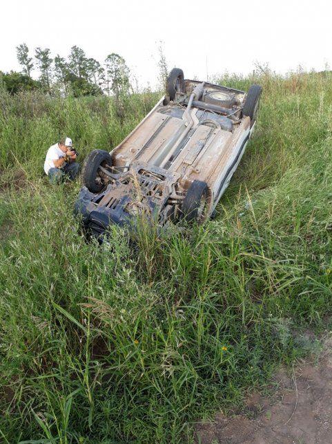 Vuelco y muerte en un camino de tierra en Ramírez