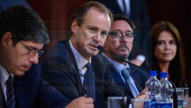 senado nacional. En el plenario de comisiones Bordet defendió el acuerdo firmado con la Nación.