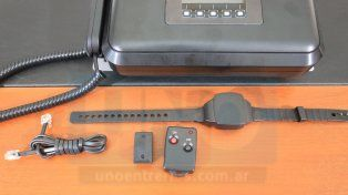 Presentaron el sistema de control de prisión domiciliaria a través de tobilleras electrónicas