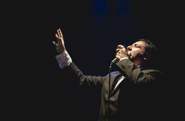 Premio. Se presentó en el mismo escenario el año pasado y fue distinguido con el Micrófono del Tango.