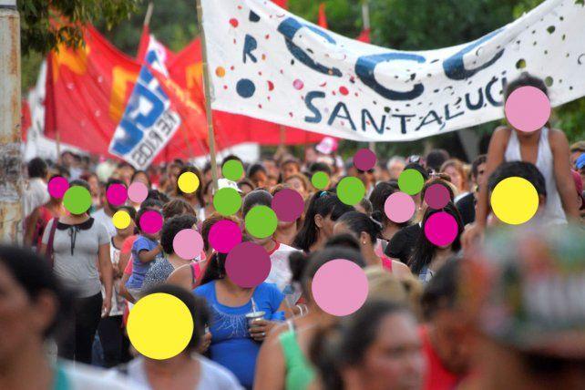 En la marcha del 20 de diciembre a la Casa de Gobierno de Entre Ríos quedó en evidencia la cantidad de mujeres que participaron. Foto UNO Archivo. Mateo Oviedo.
