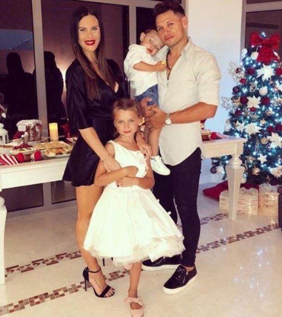 Mauro Zárate le hizo un agresivo comentario a una foto hot de su mujer y lo destrozaron en las redes