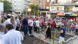 Una buena cantidad de gente llegó hasta la plazoleta de 25 de Mayo yEchagüe.