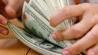 El dólar bajó 54 centavos y cerró el año en $ 18,92