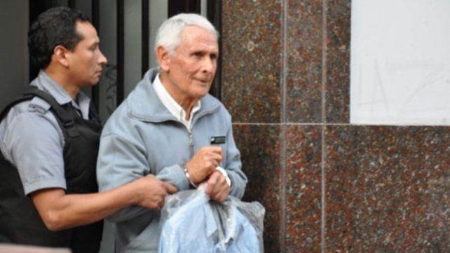 Miguel Etchecolatz llegó a Mar del Plata para cumplir la prisión domiciliaria
