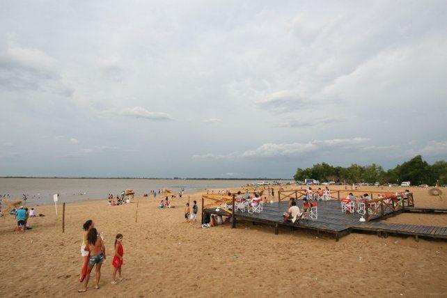 Playa y nubes