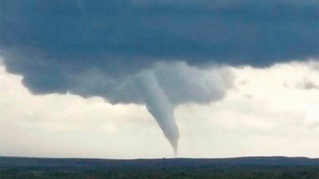 Impactante: Así fue el paso de una  una cola de tornado en San Luis
