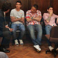 Revés judicial. Iván Villalba (primero a la izquierda), cuando fue juzgado junto a dos cómplices en Paraná.