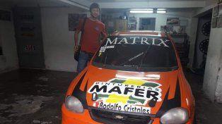 La nave. Grinóvero adquirió el Corsa de Gonzalo Alcaine y la máquina ya está en Paraná para ponerla a punto.