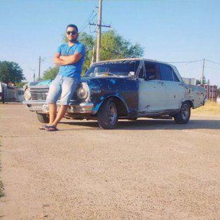 Cristian Lucero tenía 20 años y era propietario del Chevrolet 400 que se precipitó a las aguas