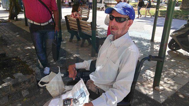 La solidaridad de la gente permitirá que Luis Rovera tenga una nueva silla de ruedas