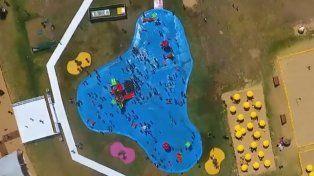 Larreta inauguró una lona recreativa con forma de pileta y en las redes estallaron las burlas