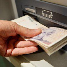 Preocupación por el megadecreto de Macri que embargará cuentas sueldo