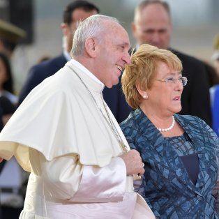 el papa pidio perdon por los abusos a ninos cometidos por curas chilenos
