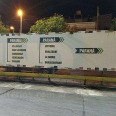 A subsanarlo. El lector pidió que se arregle el error ortográfico en la terminal de Paraná.