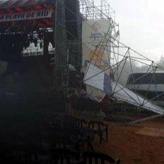 Escenario afectado. La estructura de la Fiesta de la Playa sintió el rigor de la tormenta. Foto: 03442