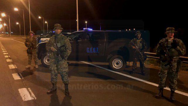 Grupos especiales. La Policía Federal desplegó personal con armas para enfrentar situaciones de riesgo.