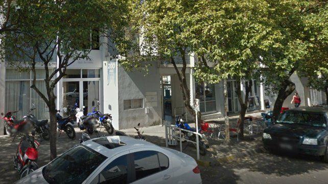 Un degenerado. Las vecinas aseguran que el hombre se sobrepasa de modo regular. Foto: Imagen de Google.