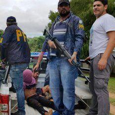 Trabajo conjunto. Efectivos de la Federal, de Robos y Hurtos y de la policía correntina ejecutaron los operativos.
