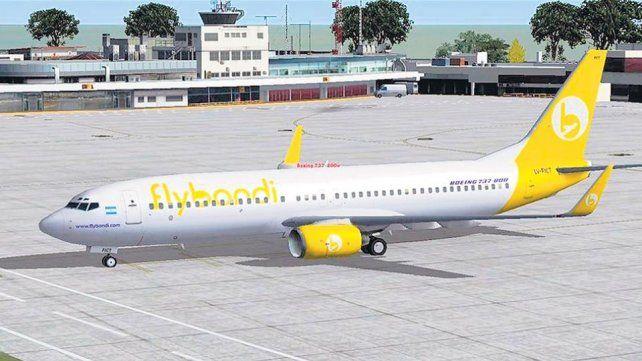 En su primer vuelo, Flybondi debió hacer un aterrizaje de emergencia