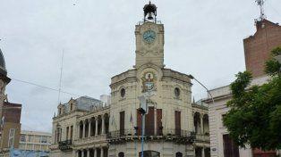 Este miércoles la Municipalidad de Paraná abona sueldos de marzo con 10% de aumento