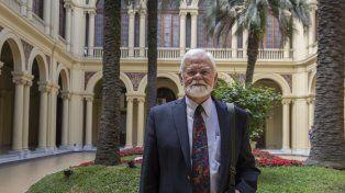 Villa-Vicencio posó en el patio de la Casa Rosada con las palmeras que después también fueron noticia.