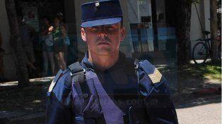 Cumple con su tarea. La comunidad de Villa Elisa recuerda al policía que en la actualidad trabaja en San José.