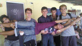 Santiago con sus amigos en una de las fotos más compartidas.