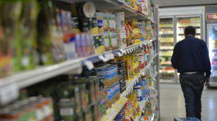 En medio de la caída del consumo, por las tarifas y el dólar, suben los alimentos