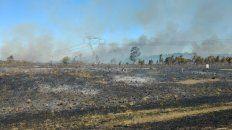 cinco dotaciones de bomberos trabajan en cuatro incendios descontrolados en concordia