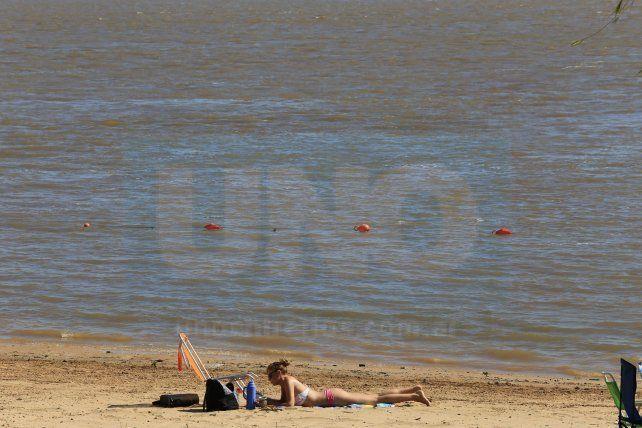 Calculan que Paraná se puede quedar sin playas lo que complicaría aún más la temporada de verano. Foto UNO Diego Arias.