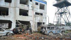 El Gobierno de Ecuador desplazó a 600 efectivos de seguridad a la zona del atentado con carro bomba. (Foto Prensa Libre: EFE)